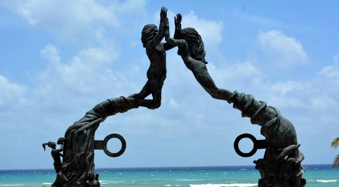 Parque Fundadores, estatua parque fundadores, playa del carmen